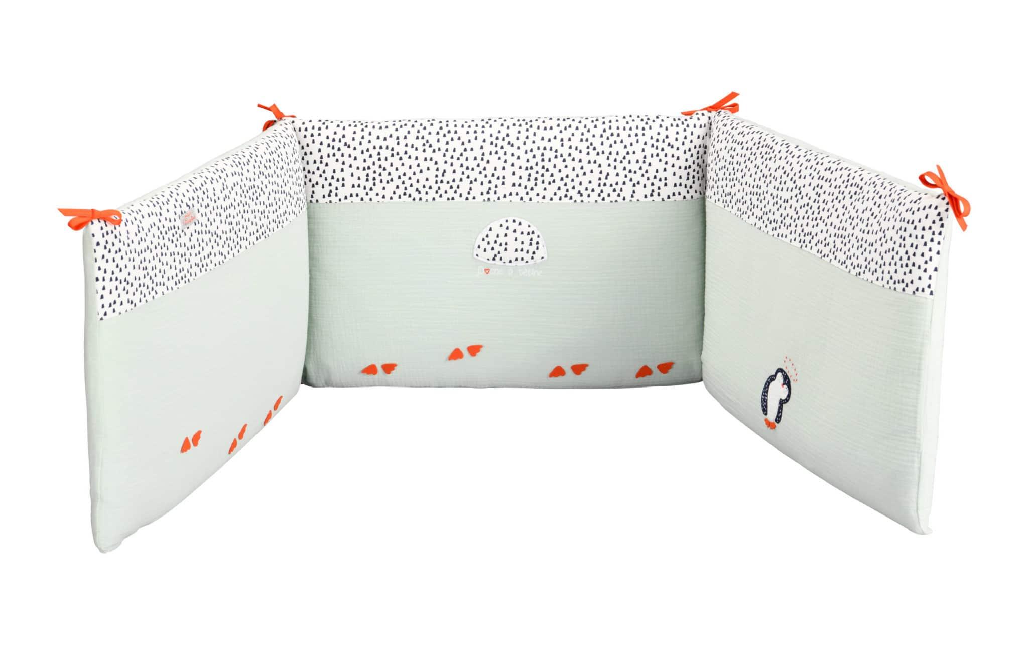 tour de lit pingouin vert