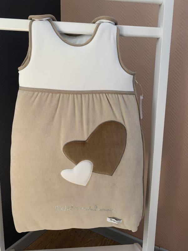 gigoteuse petit coeur beige marron