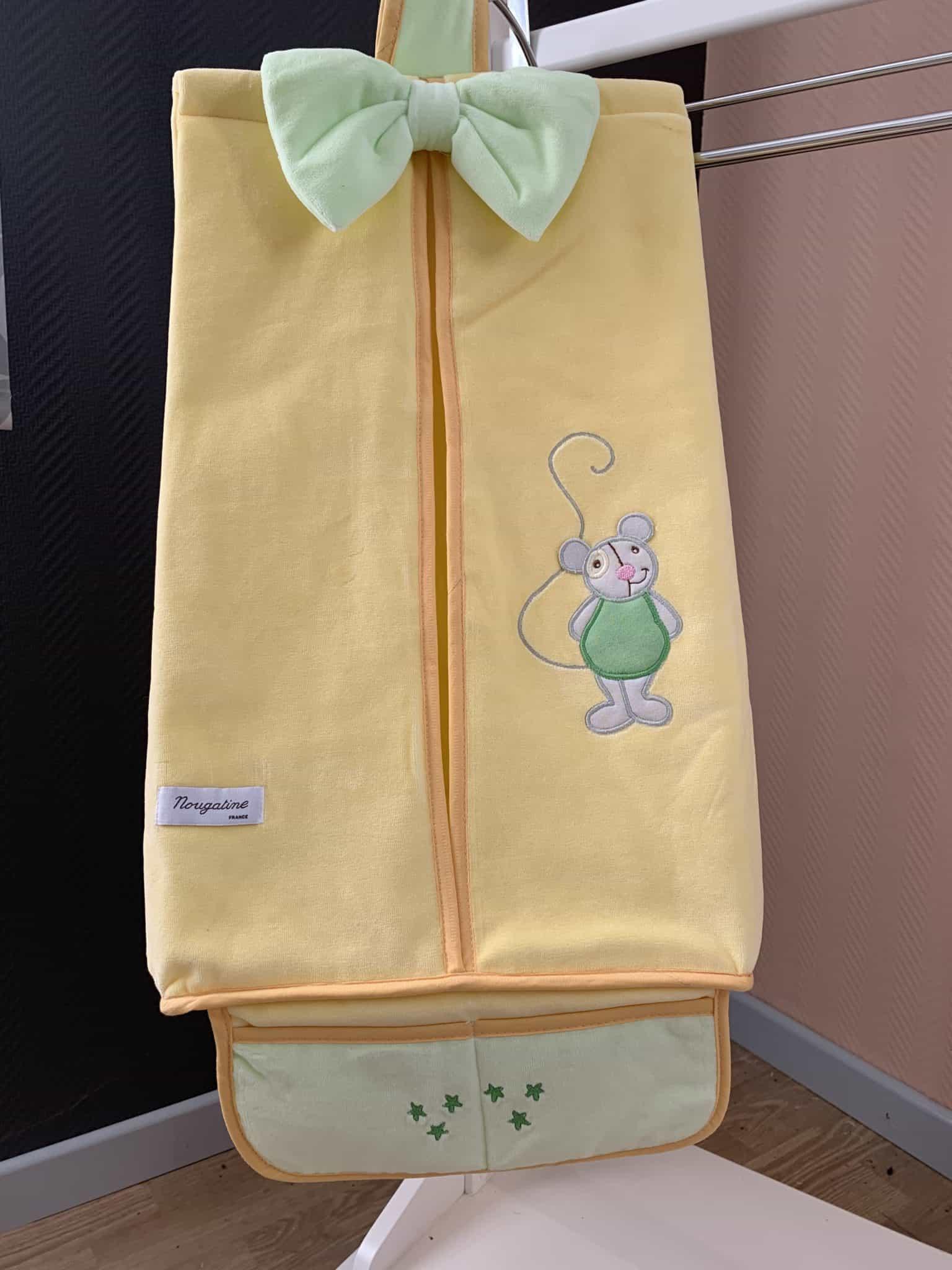 porte couches souris jaune