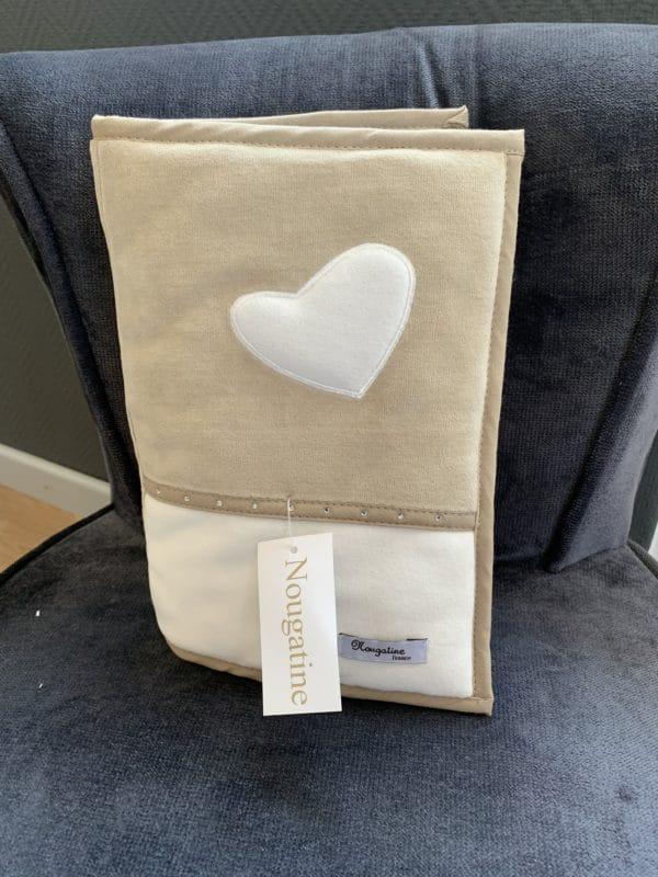 Carnet de santé coeur blanc