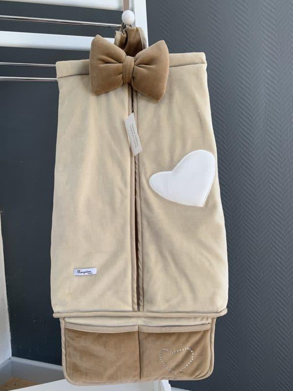 porte couches coeur blanc