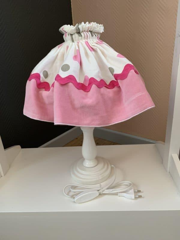 lampe de chevet rose et blanche