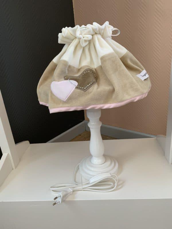 lampe de chevet coeur rose