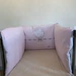 tour de lit rose